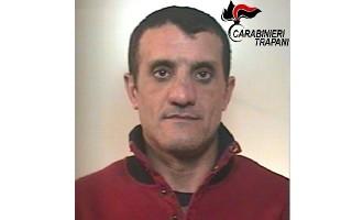Arrestato dai Carabinieri di Castellammare del Golfo: nascondeva armi e droga