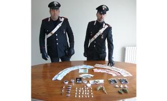 Alcamo, sequestrate cocaina, eroina, hashish e marijuana: un arresto e una denuncia