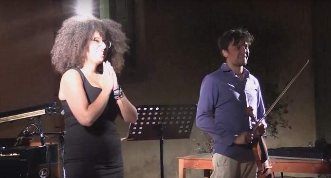 [VIDEO] Il concerto di Sade Mangiaracina al Castello Grifeo
