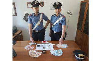 Castellammare, arrestati dai Carabinieri due uomini per spaccio di stupefacenti