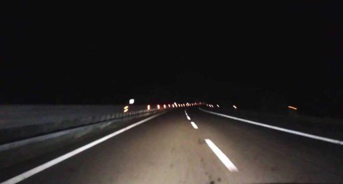 Autostrada A29: camion perde casse per olive. Pericolo scampato per due giovani