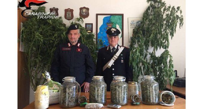 Cassette e barattoli pieni di maijuana. Arrestato 50enne