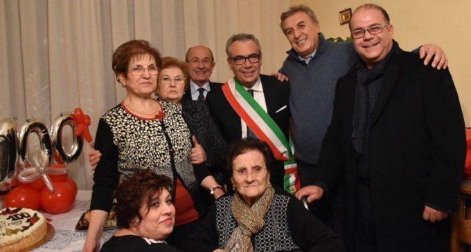 Partanna: Grazia Aiello festeggia insieme al Natale il traguardo dei 100 anni