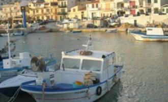 Selinunte: la gru non funziona, barca rischia di inabissarsi al porto