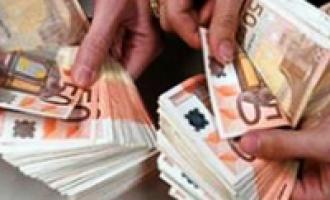 Modica, trova portafogli con 600 euro e lo porta ai vigili urbani