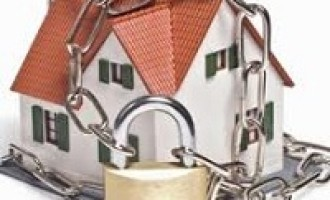 Castelvetrano: chiedono un'informazione e le scippano la collana