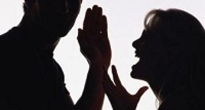 Mazara del Vallo: rimprovera la figlia e viene sfregiato dal genero