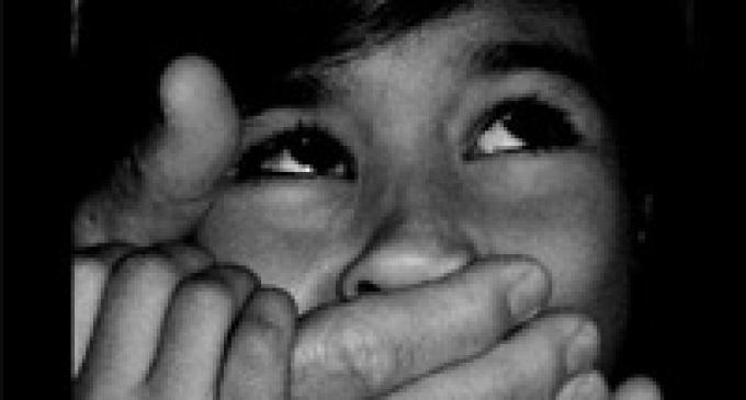 Abusi sessuali a scuola: in manette direttrice e bidello di un istituto religioso marsalese
