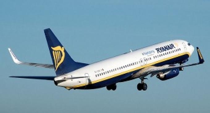 Ryanair cerca hostess e steward, le selezioni a Trapani