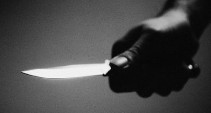 Tentato omicidio, un uomo accoltella la moglie