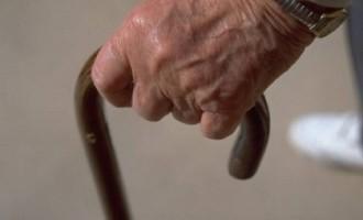 Coppia di anziani legata e rapinata in casa