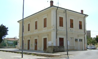 L'ex stazione ferroviaria di Selinunte adibita a caserma dei Carabinieri