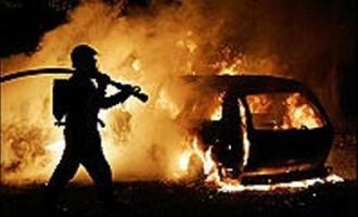 Partanna: automobile va a fuoco, illeso il conducente