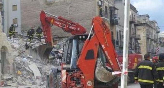 Palermo, via Bagolino: crollano 2 edifici. Tre vittime e un disperso