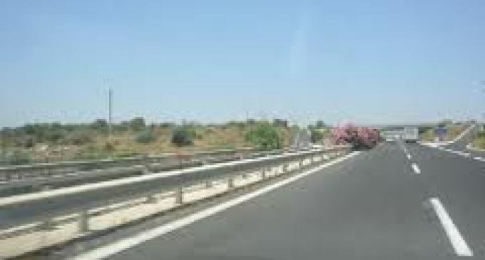 A29 Palermo-Mazara: Pullman contro autoarticolato, grave una ragazza, feriti diversi studenti