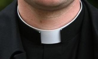 Arrestato sacerdote per violenza sessuale aggravata