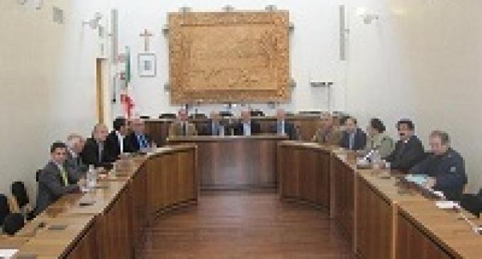Menfi: stipendi ridotti del 30% per sindaco, giunta, segretario e presidente del consiglio