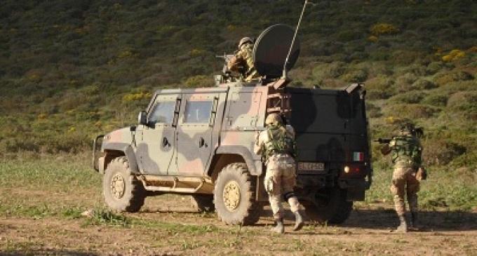 Il 6° Reggimento Bersaglieri di Trapani si addestra in Sardegna