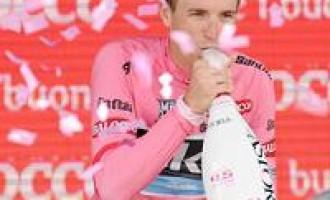 Giro d'Italia: Menfi orgogliosa del concittadino Puccio, nuova Maglia Rosa