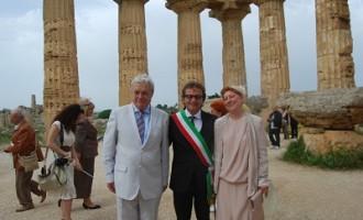 Selinunte: due turisti scelgono il Parco Archeologico come location matrimoniale