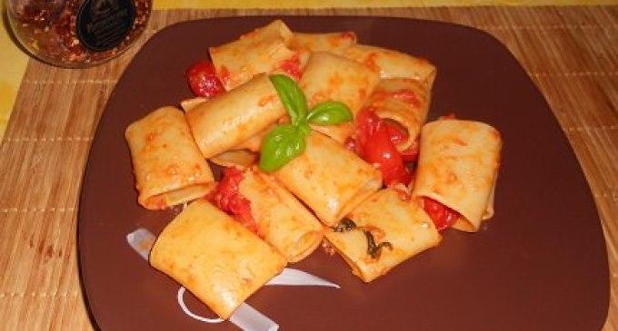 """""""…le delizie del PaLato"""": Paccheri ai pomodorini e scamorza affumicata"""