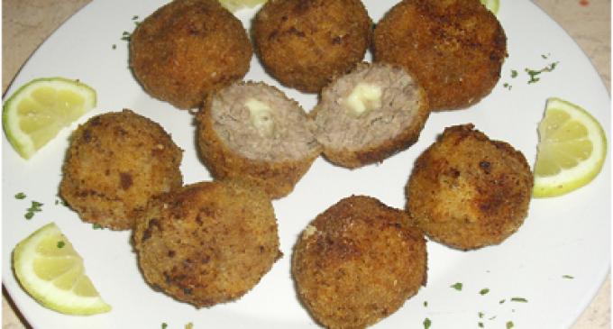 …Le Delizie del Palato: polpette di carne con cuore di mozzarella filante
