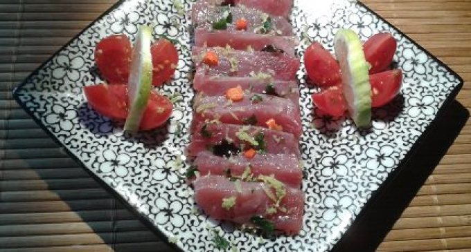 """""""…le delizie del PaLato"""": Tonno rosso marinato con peperoncini piccanti e scorzetta di limone"""