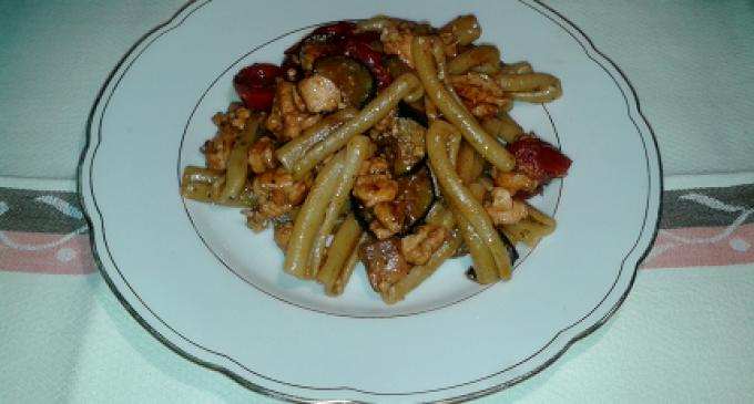 """""""…le delizie del PaLato"""": Caserecce con salmone, zucchine, pomodorini e pesto di basilico"""