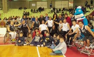 Castelvetrano: il sindaco Felice Errante presente all'esibizione della squadra di Basket in carrozzina