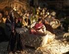 Erice, in tanti ad ammirare i presepi natalizi per le vie del borgo