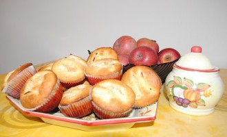 """""""…le delizie del PaLato"""": Tortine alle mele e uvetta profumate alla cannella"""