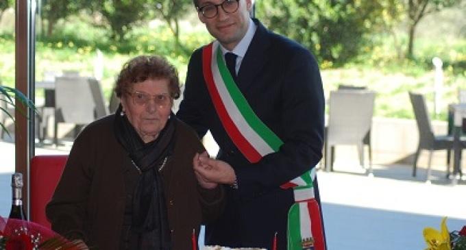 Castelvetrano: il Vice-Sindaco festeggia una centenaria