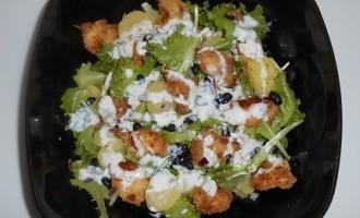 """""""…le delizie del PaLato"""": Insalata di pollo croccante con salsa di yogurt, patate e fagioli neri"""