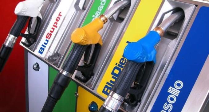 Benzinai in sciopero, da oggi chiusi i «fai da te»