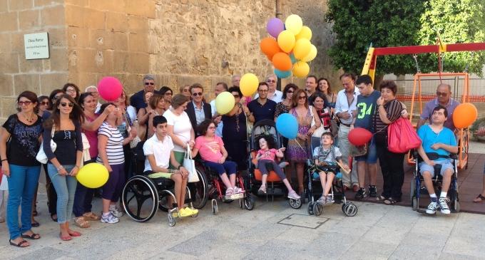 Castelvetrano: inaugurata l'altalena per diversamente abili