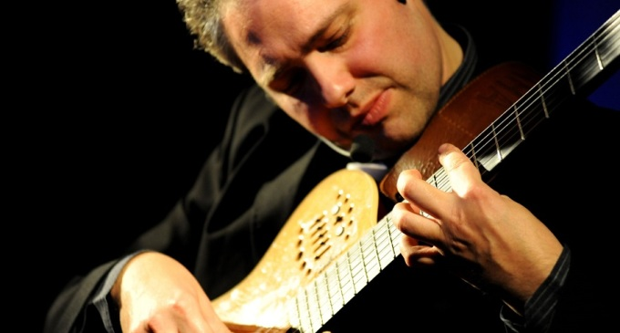 Francesco Buzzurro sabato in concerto a Isnello