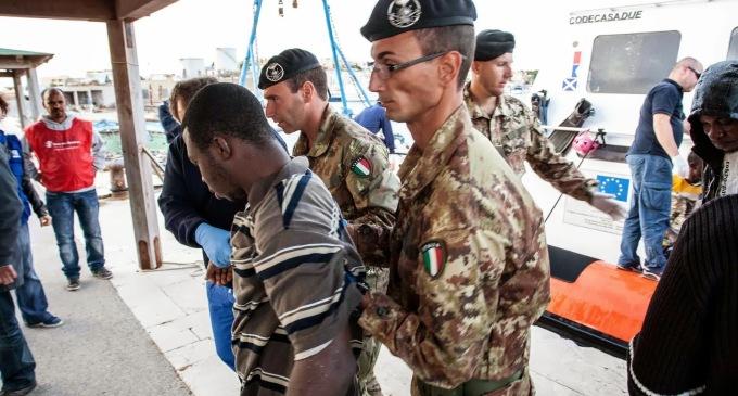 L'Esercito lascia Lampedusa
