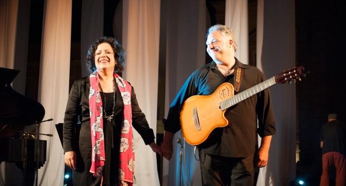 Francesco Buzzurro e Antonella Ruggiero in concerto a Priolo Gargallo