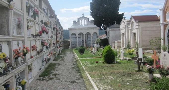 Marsala: va al cimitero e non trova più la salma del nonno