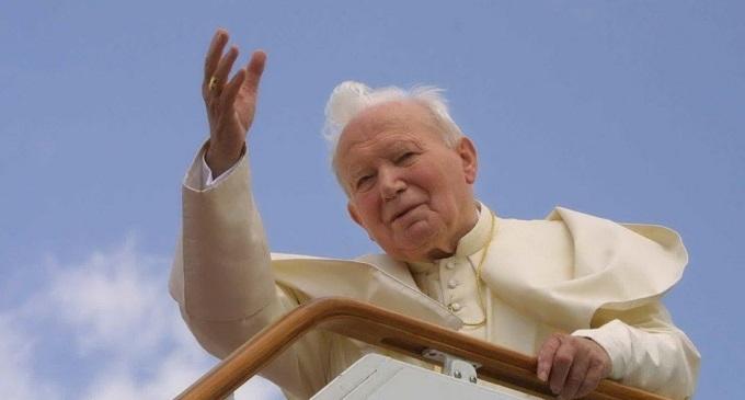 La Diocesi di Trapani in festa: arriva una reliquia di Papa Wojtyla