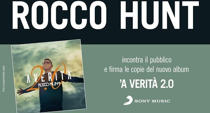 """Area 14: Rocco Hunt presenta il nuovo abum """"᾽A Verità 2.0"""" nella libreria Mondadori"""