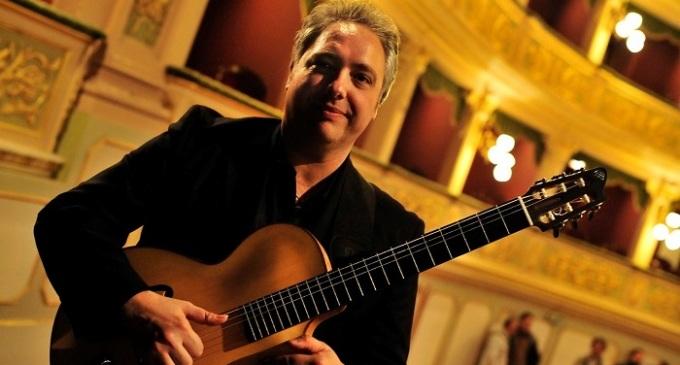Francesco Buzzurro venerdì in concerto a Milazzo