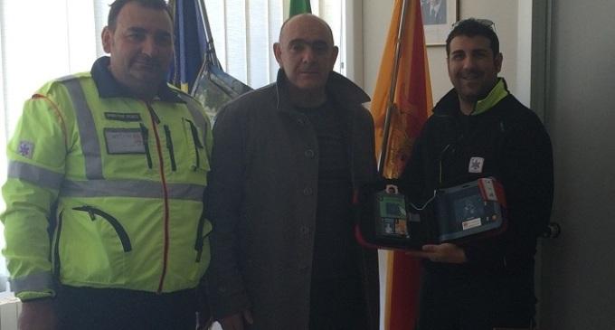 Santa Ninfa: consegnato un defibrillatore al Comune