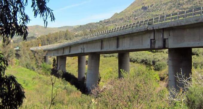 Pilone ceduto sulla A19: i lavori di ricostruzione potrebbero durare anni