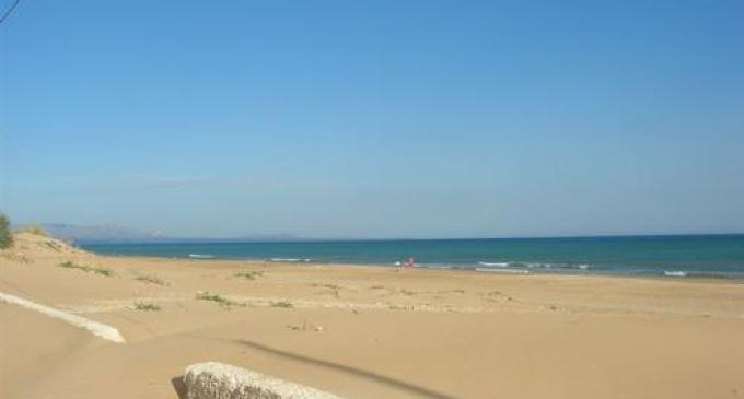 Al via i lavori di rimozione della sabbia dal lungomare di Tre Fontane
