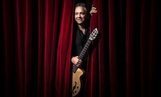 Francesco Buzzurro sabato in concerto al Teatro Garibaldi di Mazara