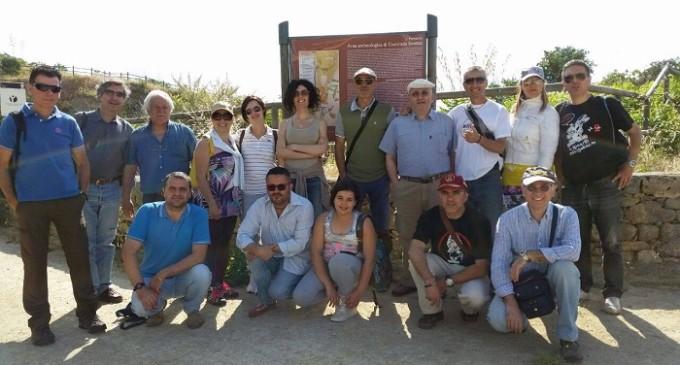 Escursione degli attivisti del M5S presso l'area archeologica dello Stretto