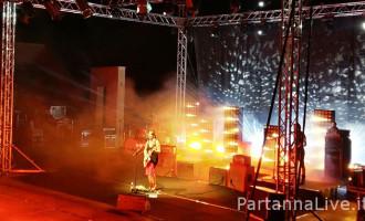 """[FOTO] L'eccellente esibizione di Carmen Consoli al Teatro Provinciale """"Lucio Dalla"""" di Partanna"""