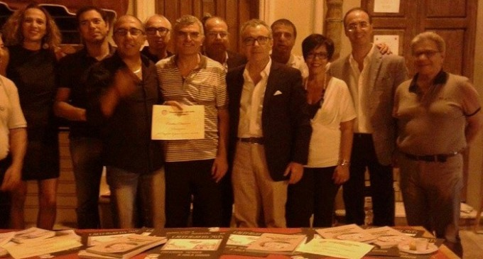 """Donazione del Gruppo Sei di Partanna se… """"Partanna 'mpinta a mala banna"""" alla Caritas"""