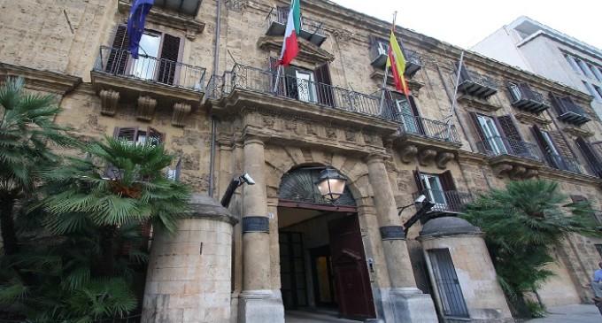 Regione Sicilia: sai inviare mail? Dirigente merita premio